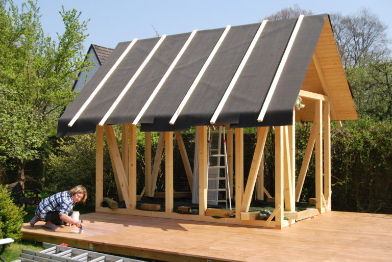 Metal Roof structure in detail